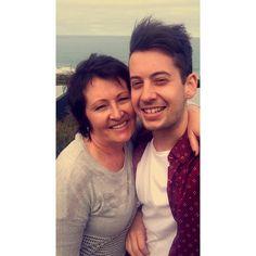 Squinty selfie #mum #lorne #australia #21 #birthday #old by im_not_invincible http://ift.tt/1IIGiLS