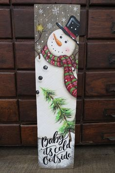 Christmas Snowman, Christmas Wreaths, Christmas Ornaments, Christmas Projects, Wooden Snowmen, Painted Snowman, Christmas Wooden Signs, Christmas Paintings, Xmas Decorations