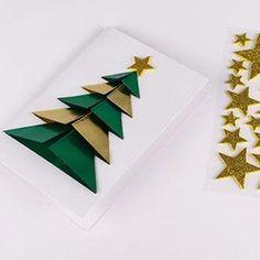 An origami fir greeting card Diy 3d Christmas Tree, Christmas Card Crafts, Christmas Origami, Christmas Activities, Christmas Greeting Cards, Holiday Crafts, Christmas Decorations, Natal Diy, Santa Crafts