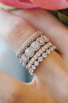 Diamond Wedding Rings - Gold engagement rings are the most traditional and popular rings for future brides. Click and get ready to choose the most stunning engagement ring for you! Wedding Rings Solitaire, Wedding Rings Vintage, Diamond Wedding Rings, Bridal Rings, Vintage Engagement Rings, Diamond Bands, Diamond Engagement Rings, Wedding Jewelry, Halo Engagement
