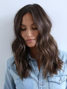 Choppy Long Haircut for Wavy Brown Hair hair 60 Chocolate Brown Hair Color Ideas for Brunettes Chocolate Brown Hair Color, Brown Hair Colors, Chocolate Brunette Hair, Fall Hair Colour, Hair Color Ideas, Medium Hair Styles, Short Hair Styles, Short Hair Lengths, Long Hair Cuts