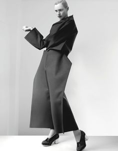 Fashion as Art - minimalist tailoring with elegant angularity; experimental fashion design // Comme des Garcons