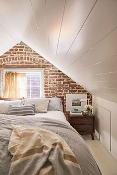 A Thoughtful Renovation Gave This Charming Carriage House a Brand New Life Southern Living, French Country Living Room, Bedroom Loft, Home Bedroom, Exposed Brick Walls, Dining Chair Slipcovers, Attic Remodel, Modern Farmhouse Decor, Carriage House