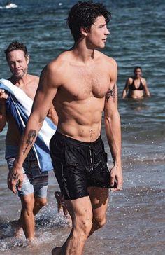 Shawn Mendes Shirtless in 2020 Beautiful Boys, Pretty Boys, Liam Payne, Shawn Mendes Shirtless, Shirtless Guys, Shwan Mendes, Foto Gif, Fangirl, Shawn Mendes Wallpaper