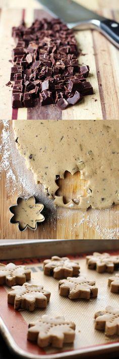 Fair Trade Chocolate Chunk Shortbread // This Week for Dinner #shortbread #fairtrade #guittardchocolate