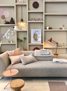 Living Room Shelves, Home Living Room, Apartment Living, Living Room Designs, Living Room Decor, Home Interior, Interior Design, Interior Architecture, Inspiration Wall