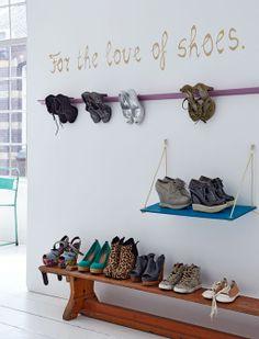Styling: Johan Bak - Judith Dekker | Photography: James Stokes - Alexander van Berge vtwonen oktober 2013 #vtwonen #magazine #interior #hallway #white #wood #shoes #storage #bench