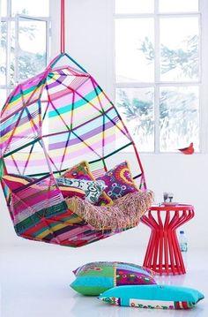 Ấn tượng với ghế treo đầy mầu sắc cho nhà thêm sinh động
