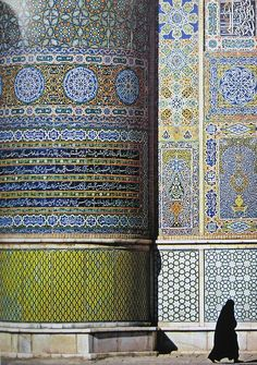 Friday Mosque in Herat, Afghanistan - i hope i can see this place someday. Imagine the scale.
