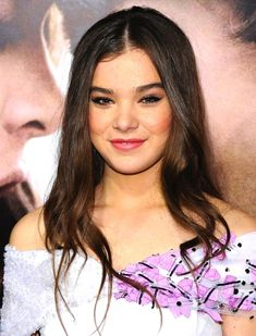 Beauty Queen: Hailee Steinfeld