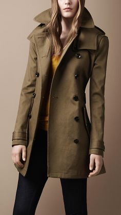Burberry - Short Cotton Twill Hooded Trench