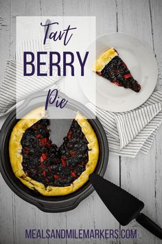 Using strawberries, blueberries, and blackberries, this tart pie recipe is delicious both hot and cold. Sweets Recipes, Pie Recipes, Easy Recipes, Boysenberry Recipe, Huckleberry Recipes, Mixed Berry Pie, Pie Crust Dough, Elderberry Recipes, Raspberry Recipes