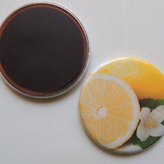 Badge 56 mm citrons magnet,épingle adhesif