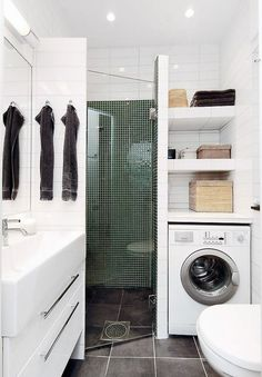 Petite Salle de Bain : 44 PHOTOS (Idées & Inspirations) Corner shower with vanity on one side & washer/dryer/linen closet on other side. Laundry Room Bathroom, Small Laundry Rooms, Downstairs Bathroom, Bath Room, Paint Bathroom, Laundry Area, Bathroom Storage, Compact Laundry, Master Bathroom
