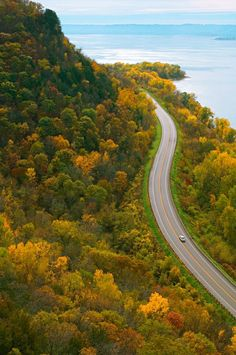 More than 30 small river towns—filled with niche-yet-fascinating museums, creameries, art galleries and pretty inns—dot the bluffs overlooking the Mississippi River along Wisconsin's stretch of  the Great River Road.