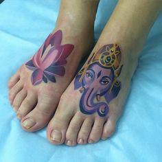 Increible Flor de Loto y Ganesha by Sasha Unisex
