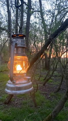 Camping And Hiking, Camping Survival, Tent Camping, Beautiful Scenery Pictures, Beautiful Photos Of Nature, Glass Photography, Nature Photography, Background Wallpaper For Photoshop, Old Lanterns