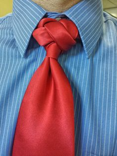 The Infinity Knot, a design by David Finfrock #coolties …