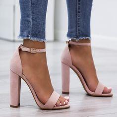 Stylowe srebrne sandały damskie Even&Odd Wide Fit idealne na