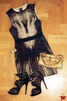 1 Dress - 2 Looks: Evening Look Feat. McQ Dress, Charlotte Olympia Eve Shoes & Roberto  Cavalli Clutch - Girls night out? Wear this outfit! - #Starbags_eu #Outfit #Inspiration