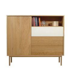 Aparador de color natural con 1 puerta, 3 cajones con sistema push uno de ellos en tono blanco y 1 estante. Dimensiones de 141x125x36 cm