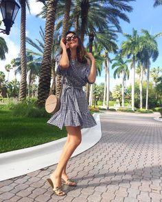 """Quando está longe do """"Esquadrão da Moda"""", Isabella Fiorentino desfila um estilo vida real. Os looks dela são uma ótima fonte de inspiração."""