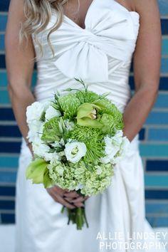 Beach Elegant Summer Vintage Champagne Ivory Bouquet Wedding Flowers Photos & Pictures - WeddingWire.com