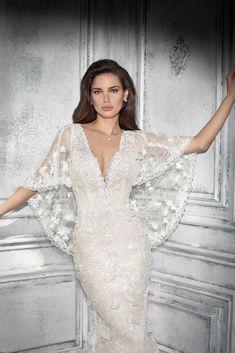 7857ed5eb759 Estilo de vestido de casamento de Demetrios 798 Wedding Dress Styles