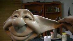 Este es otro video demostrativo del curso para hacer duendes artesanales modelados en masilla epoxi.  podemos ver como se trabajan las orejas y los zapatos. Duende de Betty en www.cursodeduendes.com