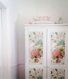 pine wardrobe gets a makeover painted with Annie Sloan chalk paint in Old White, and decorated with gorgeous botanical wrapping paper. Painted Furniture For Sale, Cheap Furniture Stores, Decoupage Furniture, Vintage Furniture, Diy Furniture, Shabby Chic Bedroom Furniture, Bedroom Furniture Stores, Bedroom Furniture Makeover, Diy Bedroom