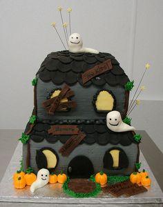Halloween Birthday Cake omg wanna do this for Austin's bday