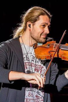 David Garrett, Irish Instruments, Musical Instruments, Josh Gorban, Love To Meet, Jon Bon Jovi, Tom Cruise, Classical Music, Type 4