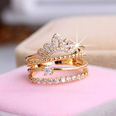 Sparkly Crown Ring