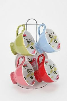 Hanging Teacup Set.. dont like the cups love the rack