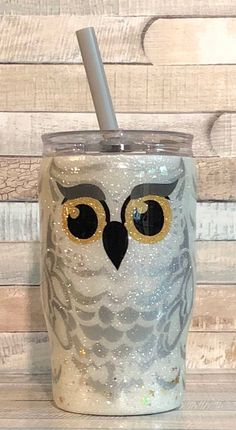 This Harry Potter Hedwig Stainless Steel Tumbler is just one of the custom, handmade pieces you'll find in our tumblers & water glasses shops. Diy Tumblers, Custom Tumblers, Glitter Tumblers, Cup Crafts, Diy And Crafts, Hedwig, Thermos, Glitter Cups, Glitter Vinyl