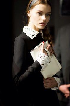 Dreaming of Valentino. White Fashion, Girl Fashion, Fashion Looks, Womens Fashion, Fashion Story, Glamour Photography, Fashion Photography, Fashion Details, Fashion Design
