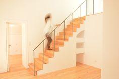 Casa de Fronteira; escadas; madeira; corrimão de ferro