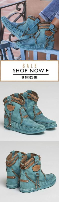 Bohemian Style Casual Blue Boots, - New In Tops Hippie Chic, Bohemian Style, Bohemian Boots, Boho Fashion, Fashion Shoes, Womens Fashion, Cute Shoes, Me Too Shoes, Zapatos Shoes