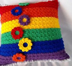 Love this crochet pillow Crochet Leaf Patterns, Crochet Leaves, Crochet Blocks, Granny Square Crochet Pattern, Crochet Patterns Amigurumi, Crochet Pillow Pattern, Cheap Decorative Pillows, Handmade Pillows, Felted Wool Crafts