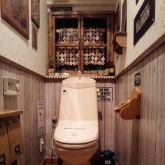 kaochanさんはInstagramを利用しています:「今、仕事が終わりました トイレの模様替えが完成しました キャンドゥの板壁風シートをはってみました❤ 最後に、とっても大好きな@hrm.gf ちゃんが作ってくれたステンシルシートでステンシル❤❤ ひろちゃんのおかげで凄く良い感じになったよ~ 本当にありがとう~ トイレ使うのが楽しくなりそうです~((o(^∇^)o)) #diy#kaumo#リメイク#トイレ#模様替え#キャンドゥ#板壁風リメイクシート#ステンシル#ウッドボード#窓枠#窓枠DIY#ヨーヨーキルト#手づくり#手づくり棚#楽しい#日々#暮し#男前#インテリア#雑貨#セリア#フェイクグリーン#StdioClip#妄想族#club#トイレ模様替え#カントリー#大好き」