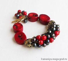 Браслет из красного коралла и черного жемчуга ЛЕСНАЯ ЯГОДА - украшения из камня, авторский браслет. МегаГрад - портал авторской ручной работы