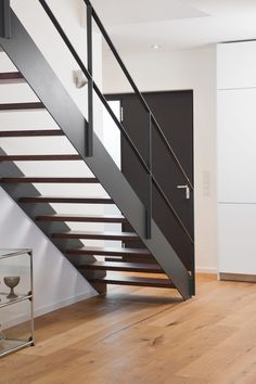 Inventive Staircase Design Tips for the Home – Voyage Afield Staircase Railing Design, Interior Stair Railing, Rustic Staircase, Staircase Handrail, Wooden Staircases, Railing Ideas, Steel Stairs Design, Cheap Stair Parts, Traditional Staircase