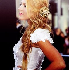 Best braid hair. Prom hair. Fishtail. Blake lively. Long blonde hair.