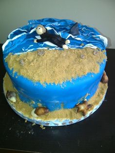 surf cake...with shark!!