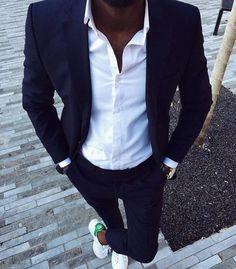 Stan Smith + Costume Bleu + Chemise Blanche = Look Parfait ! Retrouvez notre sélection sur Nouvelle Collection #nouvelleco #menswear #stansmith