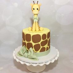 Baby Giraffe Cake Topper by ilovehoneybeecakes on Etsy Giraffe Birthday Cakes, Giraffe Cakes, First Birthday Cakes, Birthday Cake Girls, Torta Baby Shower, Bee Cakes, Girl Cakes, Baby Shower Giraffe, Giraffe Party