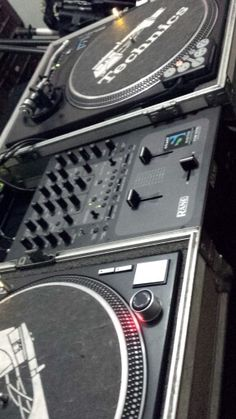 Set up Dj.