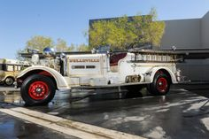 """Rolls Royce of Fire Trucks""""Built for the town of Belleville, NJ and shipped to them on is the last HT built before the warThe Motor fi Fox For Sale, Cars For Sale, Fire Equipment, Rescue Vehicles, Pretty Cars, Classy Cars, Fire Nation, Fire Apparatus, Emergency Vehicles"""
