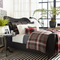 inspired by a vintage blanket this cotton percale comforter from ralph lauren is enlivened by a yarndyed plaid pattern the handsome style looks wonderfu