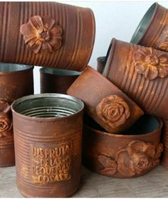 Aluminum Can Crafts, Tin Can Crafts, Wire Crafts, Diy Home Crafts, Tin Can Art, Tin Art, Pintura Patina, Decoupage Tins, Coffee Tin